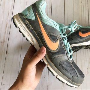 Womens Nikes 9.5